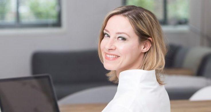 """Mooi interview met Brechtje de Leij bij Techgirl: """"Ondanks dat je misschien denkt 'het is 2017, je snapt toch wel dat mobiel werken belangrijk is omdat iedereen de hele dag zijn smartphone vast heeft?' Dat is dus niet zo en daarom vond ik het heel leuk om tien jaar mobiele kennis te bundelen, zodat ik bedrijven kan helpen om dit wel op een goede manier aan te pakken."""" #mobieleeenheid #brechtjedeleij #techgirl #futurouitgevers"""