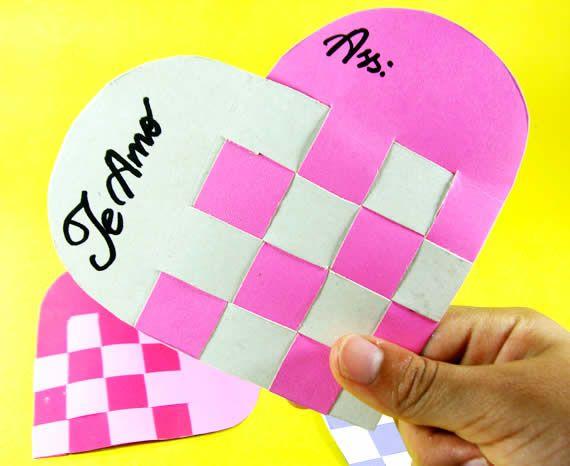 Cartão de coração com papel reciclado                                                                                                                                                     Mais