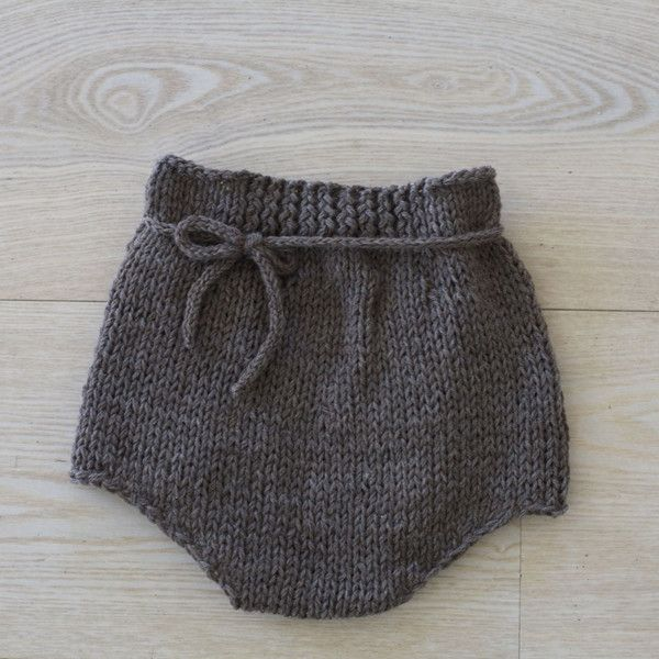 Pattern on PDF for Hight waist shorts   Sizes - 1-3 (3-5) 5-7 y Yarn- These shorts are knitted in double thread Baby Merino from Drops-design. Needles- Knitted