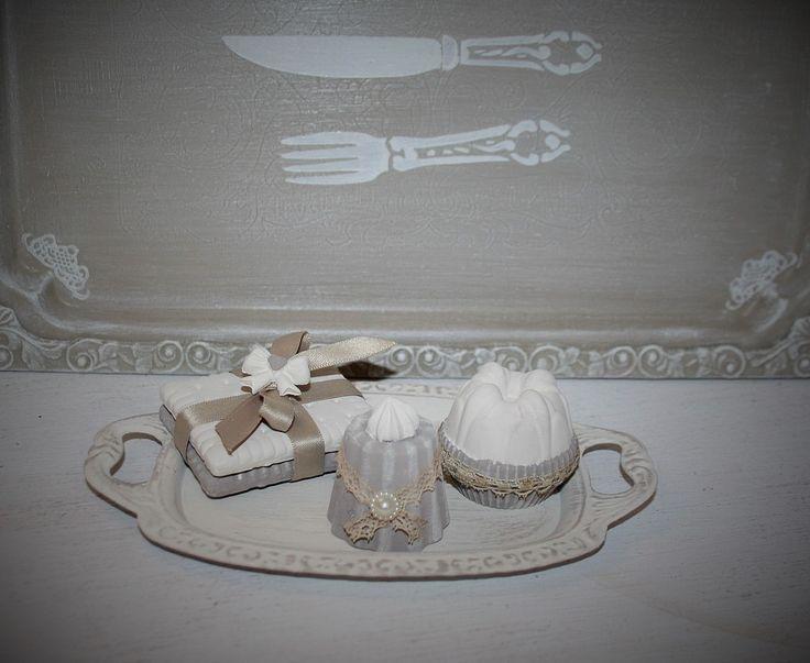 Plâtres diffuseur de parfum sur leur plat de présentation : Accessoires de maison par la-cage-a-deco