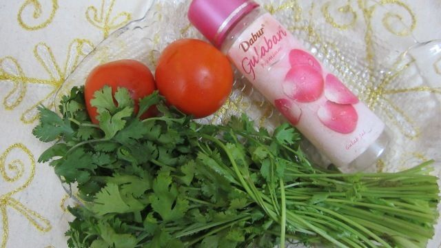 Coriander Face Mask for Pimple Scar Removal - DIY