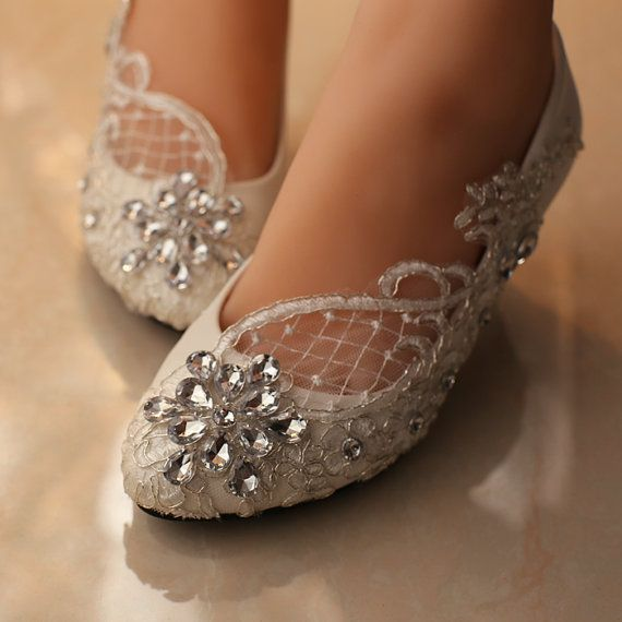 Lace wedding shoes/wedding shoes pearl/bling flat by Cocoangelly