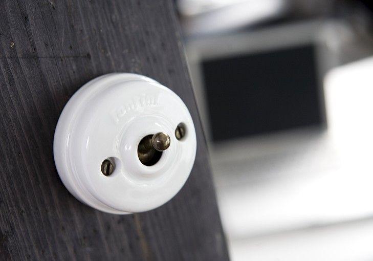 die besten 25 schalter steckdosen ideen auf pinterest stecker mit schalter steckdose mit. Black Bedroom Furniture Sets. Home Design Ideas