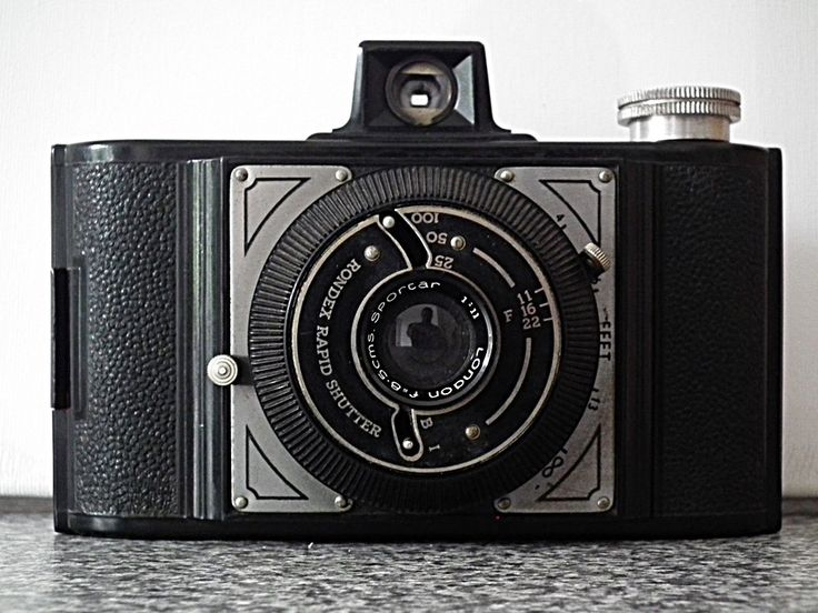 Vintage Bakelite 1950s Wembley Sports 120 film Camera by MikesCuriousOddities on Etsy https://www.etsy.com/listing/248860460/vintage-bakelite-1950s-wembley-sports