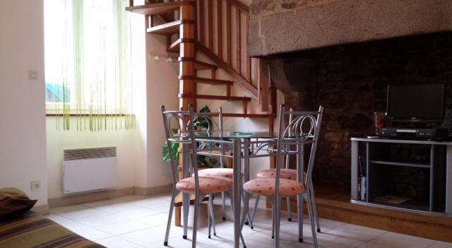 Duplex Olbiche - #Apartments - $82 - #Hotels #France #Avranches http://www.justigo.club/hotels/france/avranches/duplex-olbiche_79108.html
