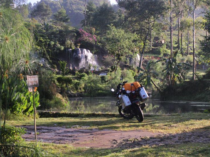 Freedom traveller Honda Verza150 touring Adventure and tourer Badak Hitam Enduro Pannier
