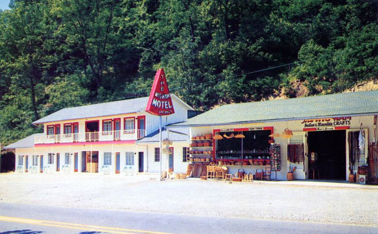 Wigwam Motel and Craft Shop Cherokee NC