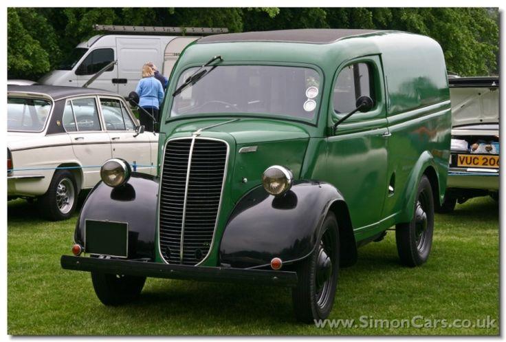 Ford Thames E83W Van