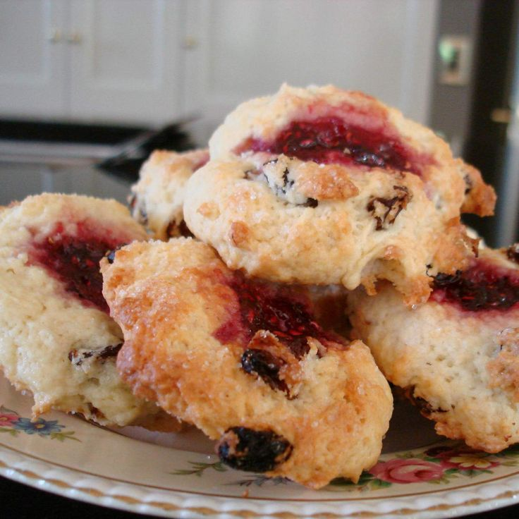 Recipe Raspberry Sugar Buns by foodieforever - Recipe of category Baking - sweet