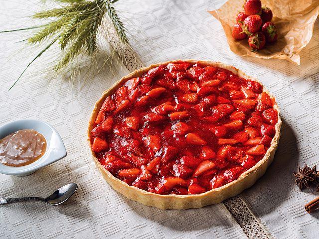 Káprázatos gyümölcstorta, jól variálható, bármilyen gyümölccsel elkészíthető!
