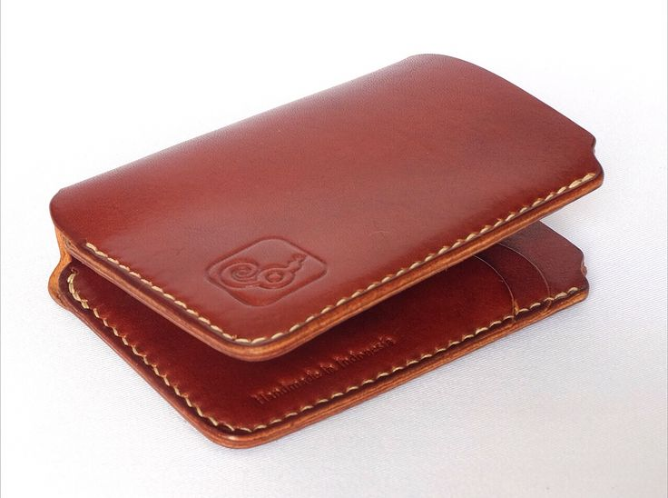 Whiskey small carry a lot wallet by lowyq, with maximum 18 card and 10 cash.   #wallet #lincable #italian #vegetabletanned #leather #bifold #lowyq #indonesia #handmade