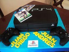 Consola de juego de Play Station con escultura en torta de de ambos controles