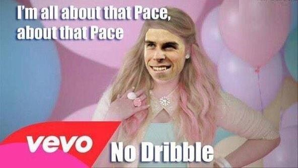 Wesoła fotka Walijczyka po samolubnej grze • Gareth Bale tłumaczy się z niepotrzebnego dryblingu • Bale wygląda jak Meghan Trainor >> #bale #memes #football #soccer #sports #pilkanozna #funny