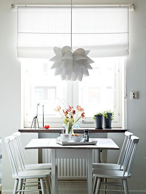 I wish our dining room could be this bright!