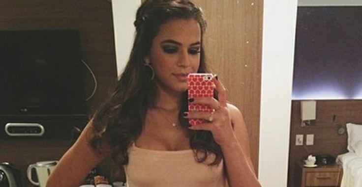 Bruna Marquezine usa camiseta sugestiva e se diz uma 'romântica incurável'
