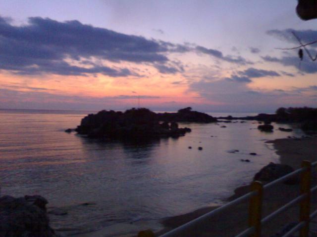 view from Pelloponissos Greece   - αρμονική συνύπαρξη χρωμάτων  #relax #horizon #walk #nature #environment #sea #beach #seashore #sky #blue #pintrplaces #sunset #place  http://my.aegean.gr/gallery/Places/Greece/stoupa_025.jpg.html