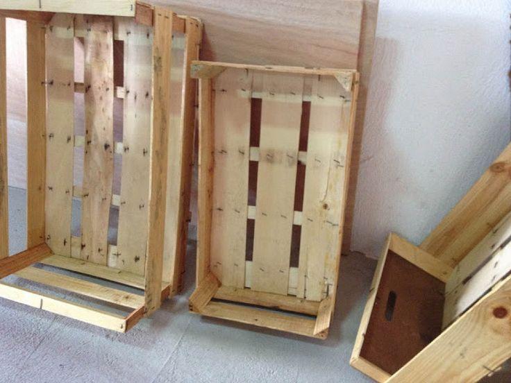 crea estanteras con cajas de frutas