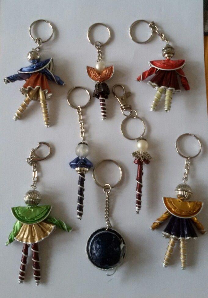 Poppetjes sleutelhangers gemaakt door Eugenie Kalverla