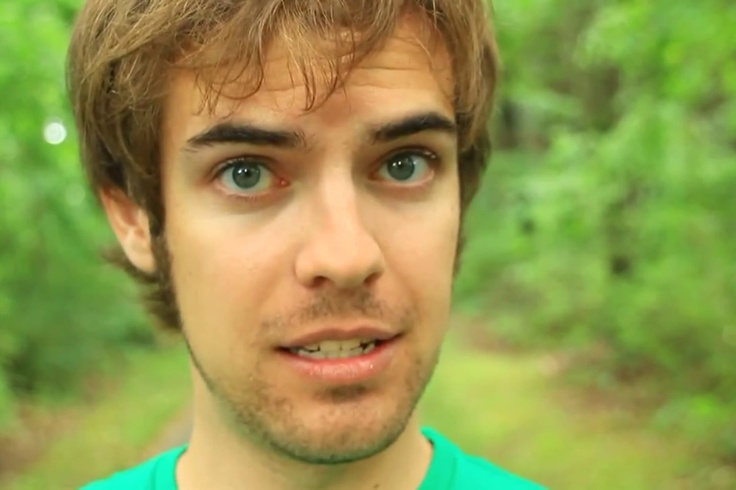 The 29-year old son of father (?) and mother Dave Douglass, 165 cm tall Jack Douglass in 2017 photo