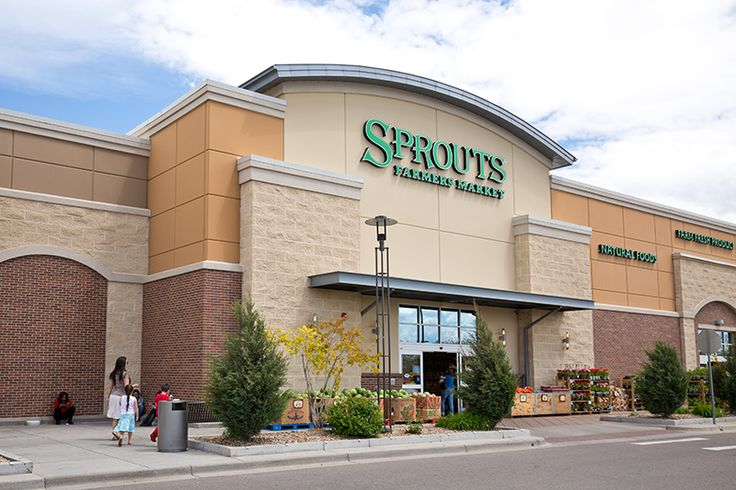 Organic Grocery Store Is Located Close By Grocery Store Organic Organic Groceries House Styles