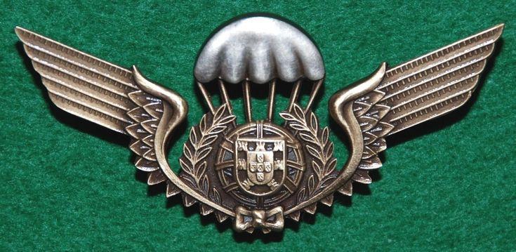 Distintivo de qualificação paraquedista: aprovado em 1966, mantém-se em vigor…