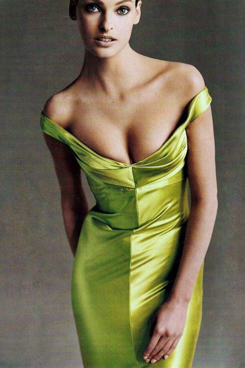 Linda Evangelista for Vogue US July 1995