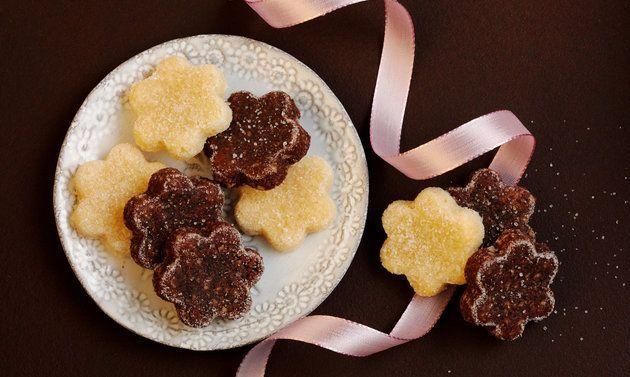 Wer klassische Brunsli mag, sollte unbedingt auch das Rezept für weisse Brunsli ausprobieren! Es könnte sich zu einem Weihnachtsguetzli-Liebling mausern.