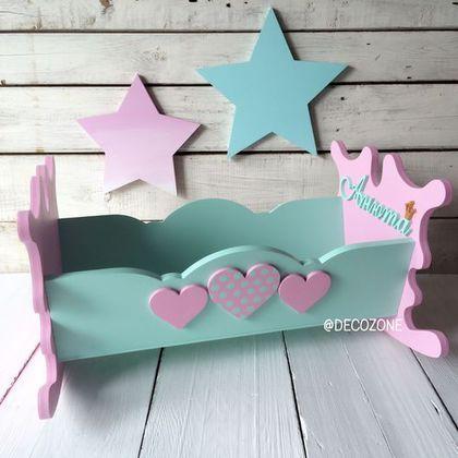 Купить или заказать Кроватка для кукол в интернет-магазине на Ярмарке Мастеров. Кроватка для кукол. Окрашена акриловыми красками на водной основе, без запаха. Кроватку можно качать.