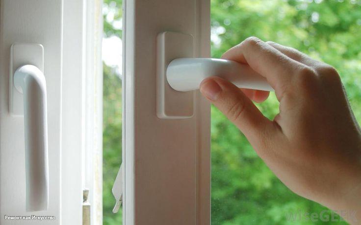 Как сохранить тепло в доме: экономичные окна и правильное проветривание  Через старые окна из помещений уходит очень много тепла, кроме того, дом охлаждается во время проветривания. Читайте о том, как без больших капиталовложений сохранить тепло в доме.   Стеклопакет   Важным источником проникновения тепла в помещение является не просто окно, а именно стекло. Так что имеется сравнительно экономный способ обновить оконные проемы, если переставить стеклопакет: выбрать энергоэффективный…