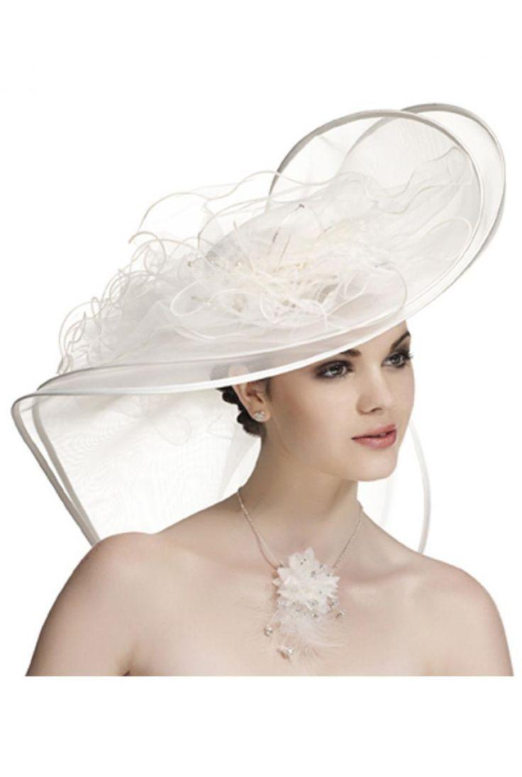 17 meilleures id es propos de chapeaux de mariage sur pinterest chapeaux de mariage d 39 poque. Black Bedroom Furniture Sets. Home Design Ideas