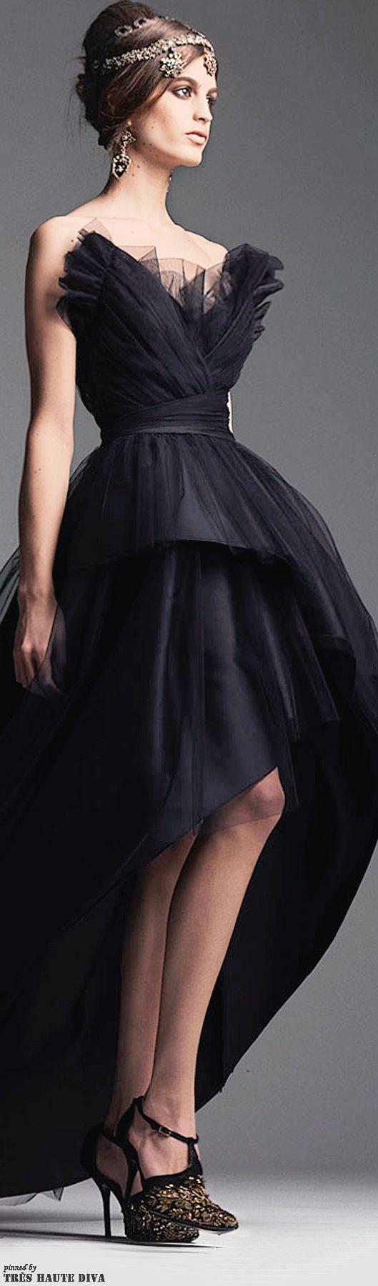Alberta Ferretti Pre-Fall 2014 I love the bodice on this dress. It looks like wings...