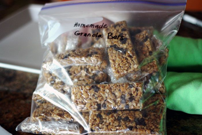 No Bake Homemade Chewy Granola Bars Recipe. Healthy and Easy to make!