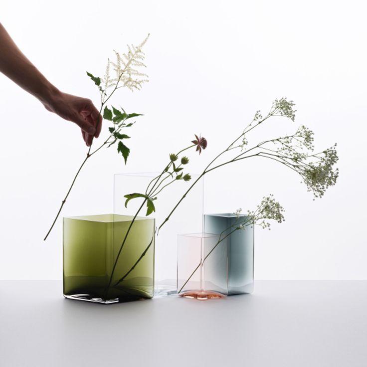 Photos/Iitalia Qui n'a pas un vase de la célèbre collection d'Alvar Aalto pour Iitalia ? Créé en 1936, le voilà détrôné par Ronan et Erwann Bouroulec. La marque finlandaise présentait à Maison &amp...