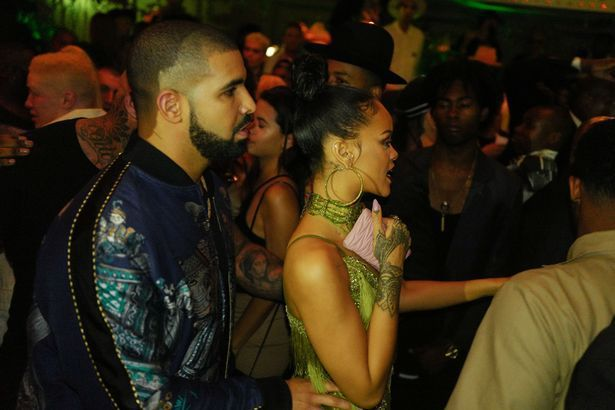 Rihanna AND Drake are so into each other! | SUNBELZ
