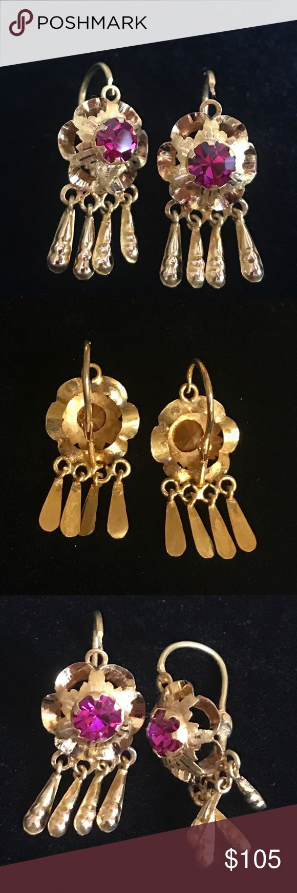 Lovely pair of 14K Yellow Gold Earrings w/ pink This is a beautiful lovely pair of 14K Yellow Gold Dangling Earrings with Round Pink vibrant color stones! Weights approximately 2 Grams. This pair is not stamped but tested 14K Jewelry Earrings