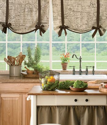 Parisian Note Lined Tie-Up Valance....for the  mudroom