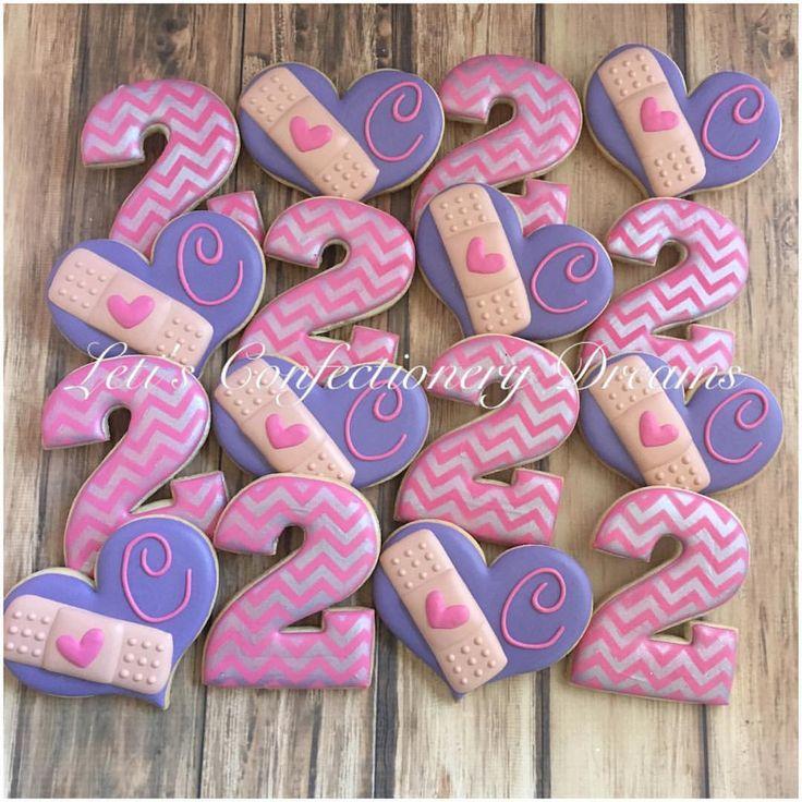 """200 Me gusta, 14 comentarios - Leti's Confectionery Dreams (@letisconfectionerydreams) en Instagram: """"Doc McStuffins #docmcstuffins #docmcstuffinscookies #docmcstuffinsbirthday…"""""""
