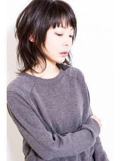 2015年のヘアスタイルは大人女子に人気のウルフカットで締めくくろうの画像