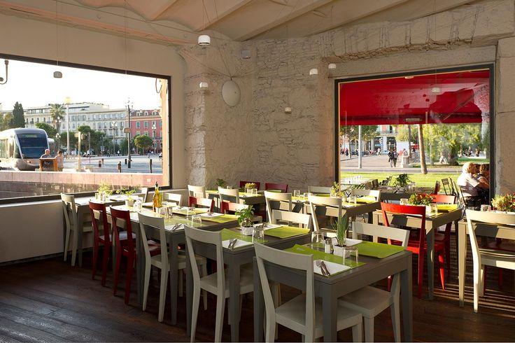 L'Abbate Italia: Attimi - Nizza > France. Livia chair - Break table.