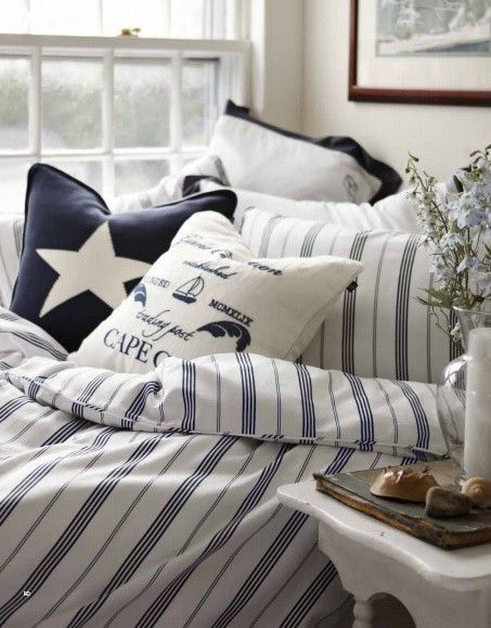 Nautical decor.. for bunk room