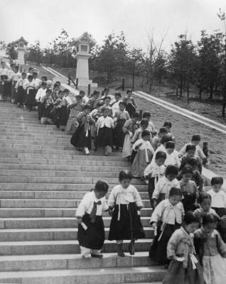Keijo (Seoul): Korean children visiting Chosen Jingu Shinto Shrine on Nanzan (Namsan), circa 1930s