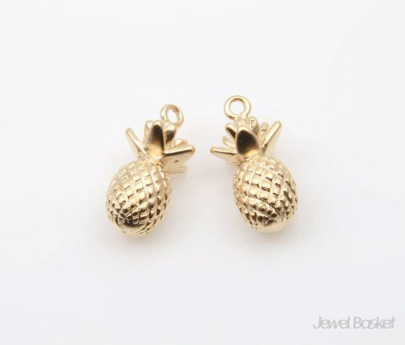 Pineapple in Matte Gold / 8.0mm x 11.5mm / BMG214-P (2pcs)  - Matte Gold Plated (Tarnish Resistant) - Brass / 8.0mm x 11.5mm  - 2pcs / 1pack