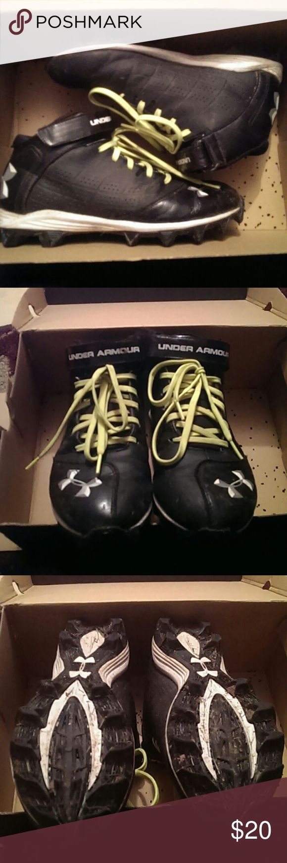 Under Armour Boys Football Cleats Worn for a season but still in great shape! No holes, water doesn't get through, plenty of grip from the bottoms. Could switch out laces. Has Velcro strap above laces. Ankles are cushioned. Could come with box, buts that's a bit beat up. Box says 7.5 US shoes size, assume youth not men's.  (Photo shows grass and dirt, will clean before shipment for sure!!) Under Armour Shoes