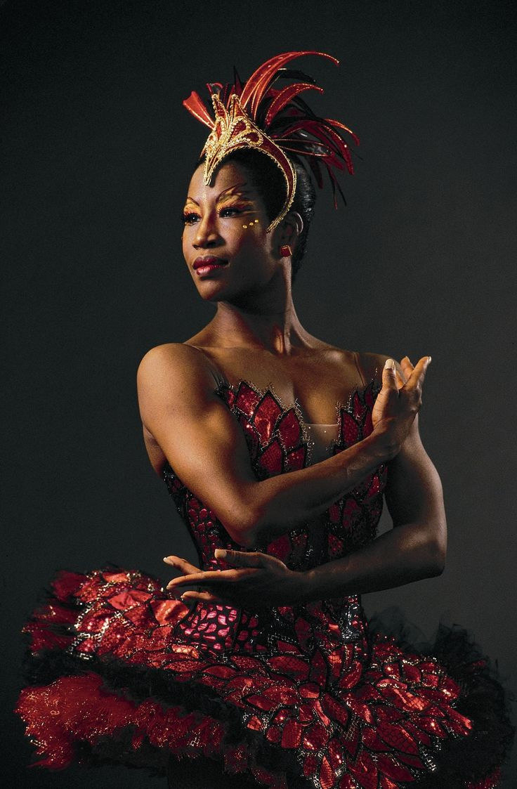 Lauren Anderson danced with Houston Ballet from 1983 to 2006, and in 1990 became the first African-American to be promoted to principal dancer at Houston Ballet – and one of the few African-American ballerinas at the head of a major ballet company anywhere in the world.