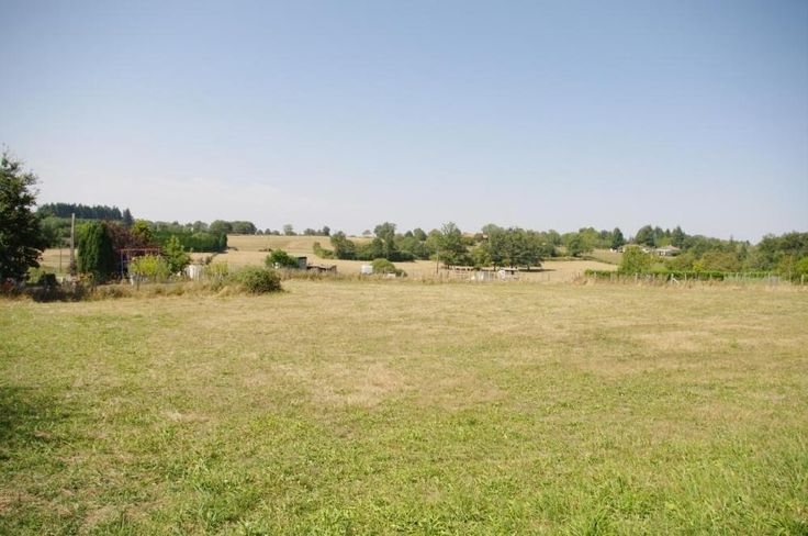 Village Land for sale. 30000 euros A Certificate of Urbanism is current for a 120 Sq metre house with garage. €30000