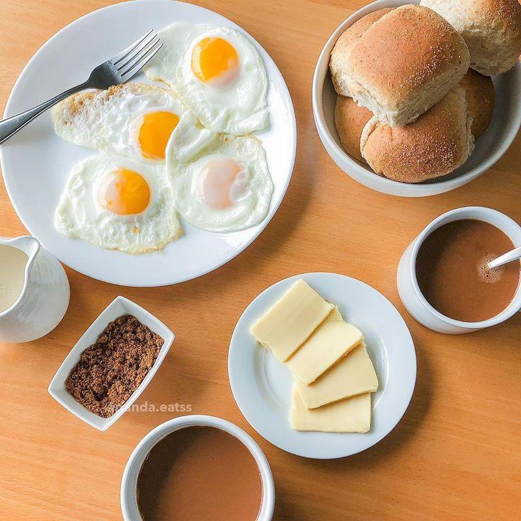 Filipino Breakfast Pandesal, Fried Egg, Eden Cheese