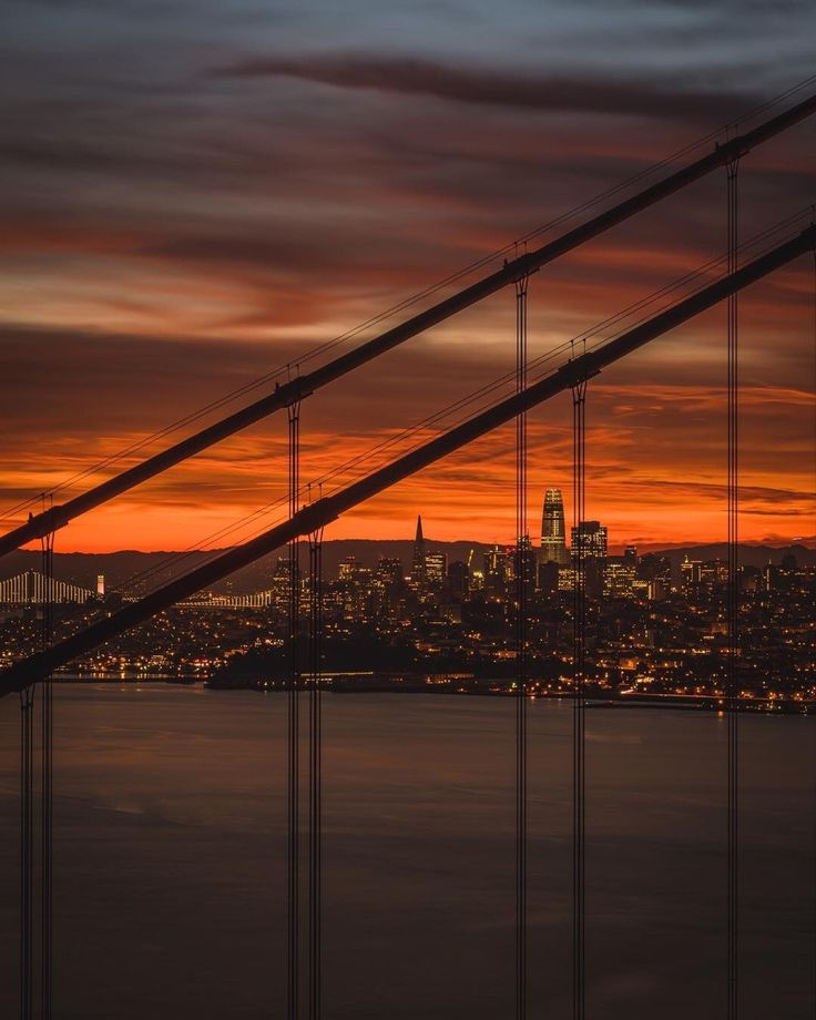 San Francisco Skyline by @independentcbh by photoblog.sanfranciscofeelings.com sanfrancisco sf bayarea alwayssf goldengatebridge goldengate alcatraz california