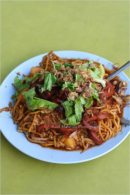 65 best indian recipes images on pinterest easy delicious recipes mee goring mamak is a sweet spicy and savory dish of yellow noodles stir yellow noodlesmalaysian foodmalaysian forumfinder Gallery