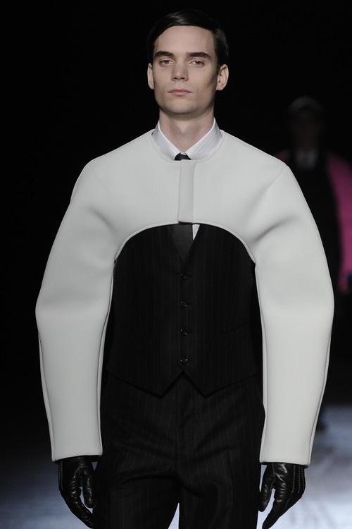 Raf Simons F/W 2009 contrasting Spacey & Modern with traditional tailoring. could use this idea