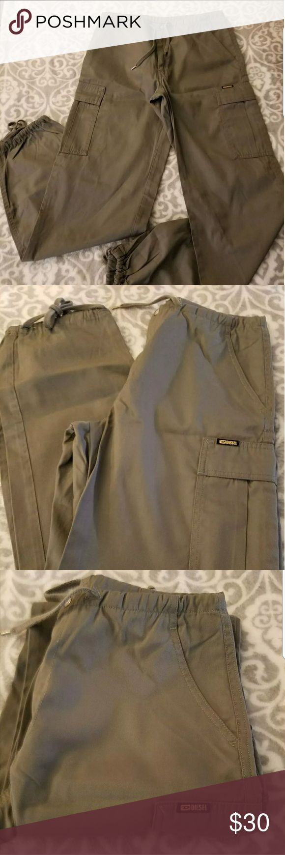 Diesel women's Cargo Pants size M Diesel women's cargo pants size M worn a few times but still in good condition. Color is Olive Green and comes from a smoke free home Diesel Pants Capris